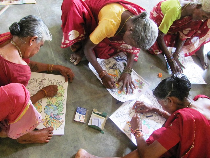 elderly Women coloring in ruhsa