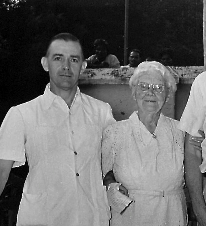 Paul Brand with Aunt Ida in 1956. Paul first worked at CMC Vellore then started karigiri hospital