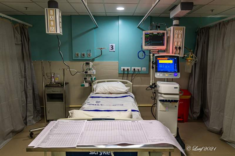 A new ICU bed all laid out and ready to be occupied
