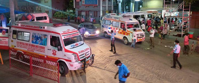emergency entrance 12th may 2021 caovid 2nd surge 6 ambulances and no beds